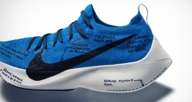世界四大名跑鞋_这双「浮夸」跑鞋的缓震科技,还真的是 react!
