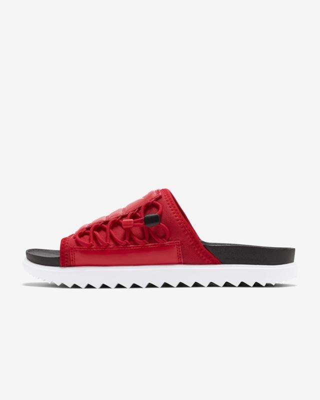 松紧可调 + 双层鞋底!夏日必备的 Nike 新凉拖来了!