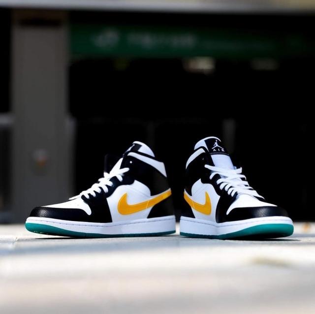 黑白配色 + 阴阳 Swoosh!全新配色 Air Jordan 1 Mid 现已发售!