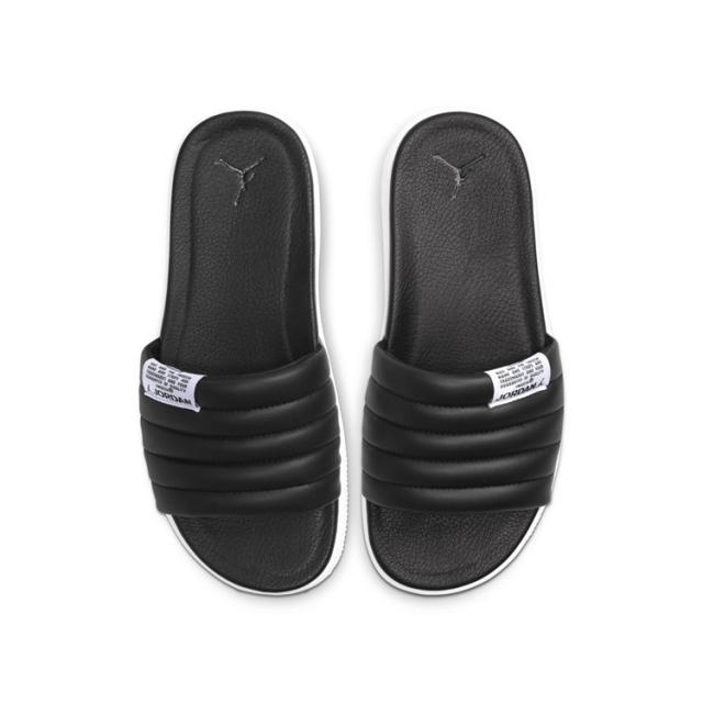 光看鞋底真没想到!Jordan 打造 AJ1 鞋底造型拖鞋,官图曝光!