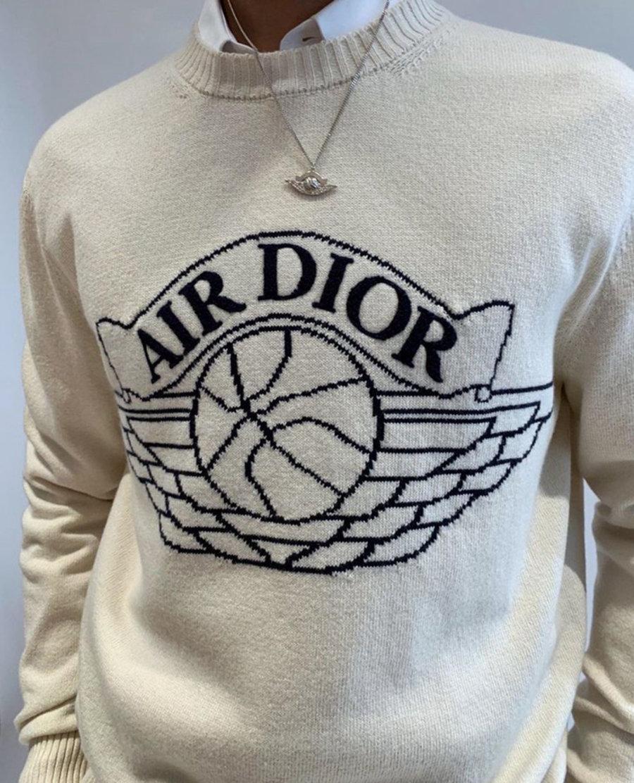 疑似发售预热!Travis Scott 上身未曝光 Dior x Air Jordan 服饰!