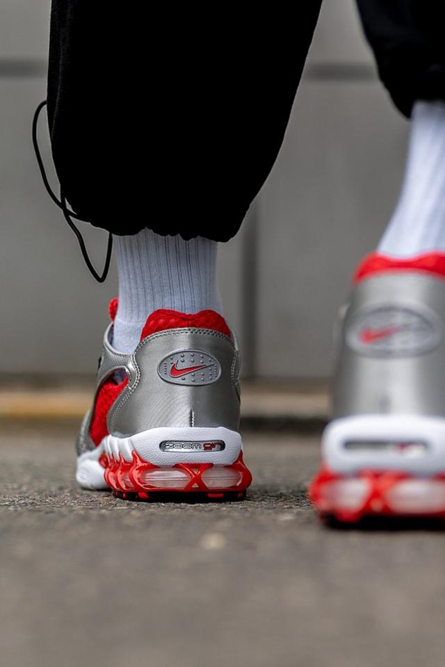 Stussy x Nike「兄弟配色」刚刚发售!买不买先看小编上脚!
