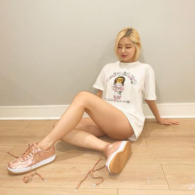 新老球鞋女神大 PK!DJ Soda 上脚粉丝绸 AF1,Kylie 穿的更狠...