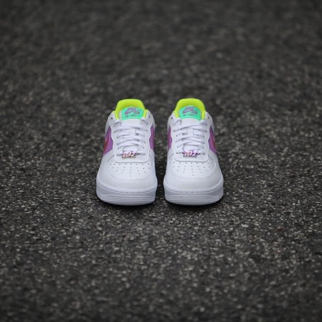 镭射后跟点缀!全新配色 Nike Air Force 1 实物美图释出!