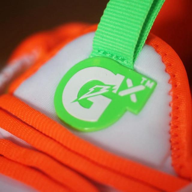 堪称最美配色!佳得乐 Nike PG4 实物美图释出!