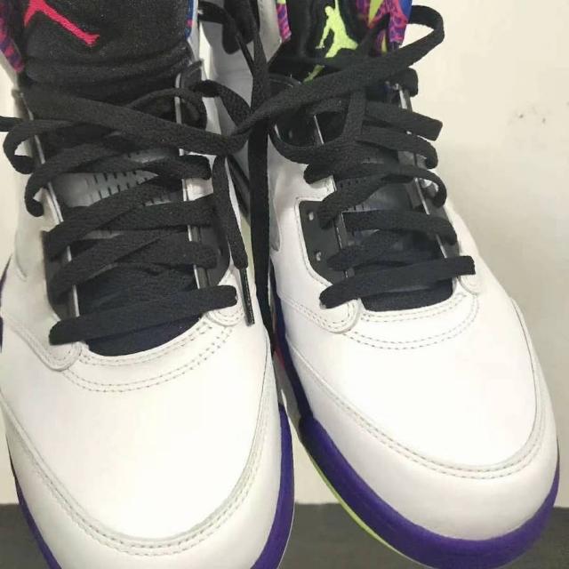 新版「新鲜王子」Air Jordan 5 最新实物曝光!8 月发售!
