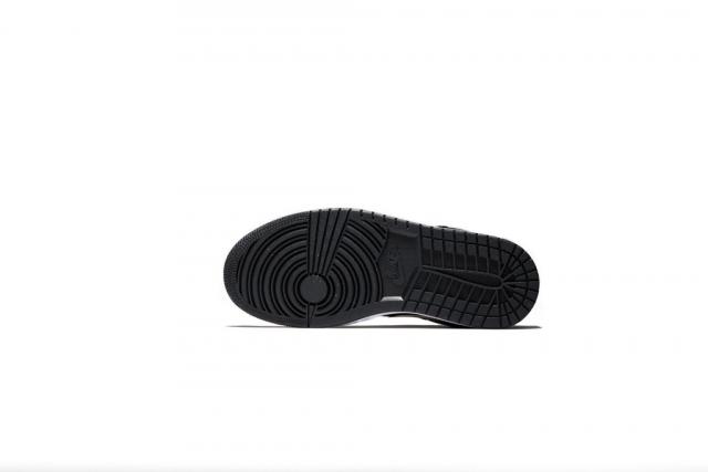 狂野蛇纹覆盖!Air Jordan 1 Low 新配色海外已发售!