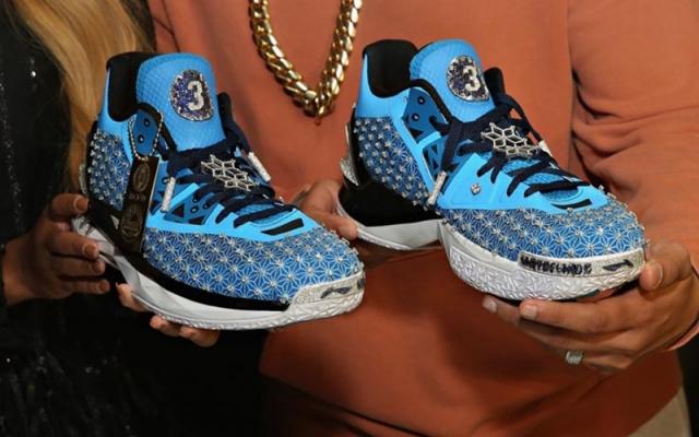 一双鞋能换北京二环一套房!这些「真天价鞋」你肯定没见过!