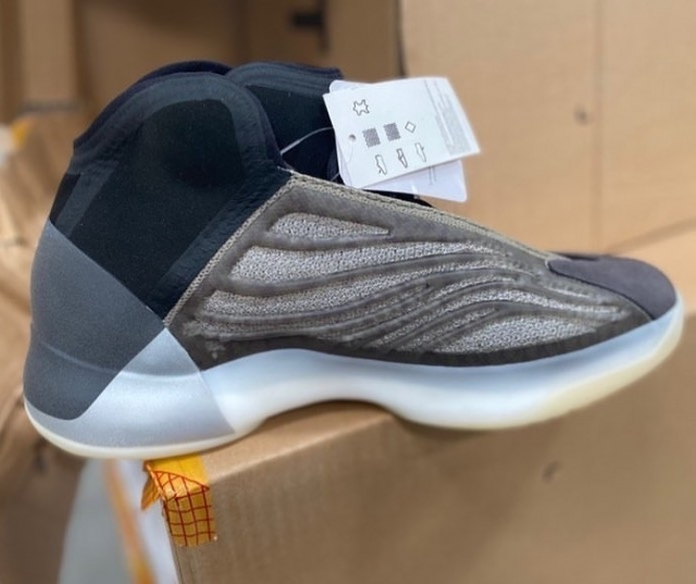 YEEZY QNTM 篮球鞋新配色曝光!预计下月发售!