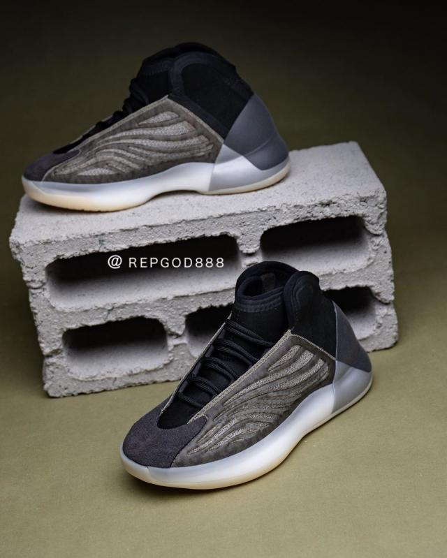 全新 Yeezy 篮球鞋上脚真的帅!还有满天星鞋身!