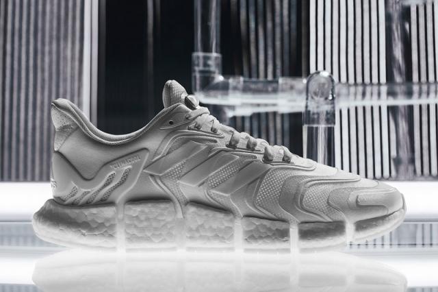 精致小白鞋 + 毛毛虫中底!adidas 清风新成员有点香!