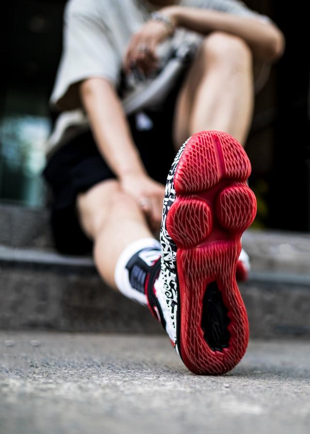 """苦等 14 年,这双鞋终于被 Nike """"复刻""""!只不过…"""