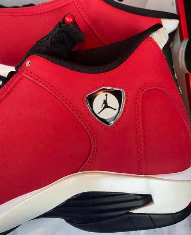 又一公牛配色!Air Jordan 14 新品再度曝光!