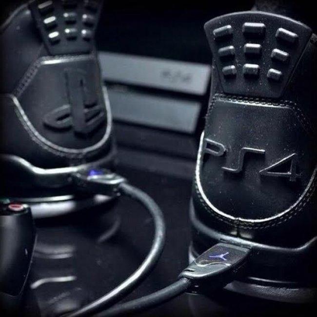 索尼,PS5,真機,曝光,大作,游戲,登場,聯名,球鞋,  索尼 PS5 真機曝光!大作游戲登場,聯名球鞋你想要么?