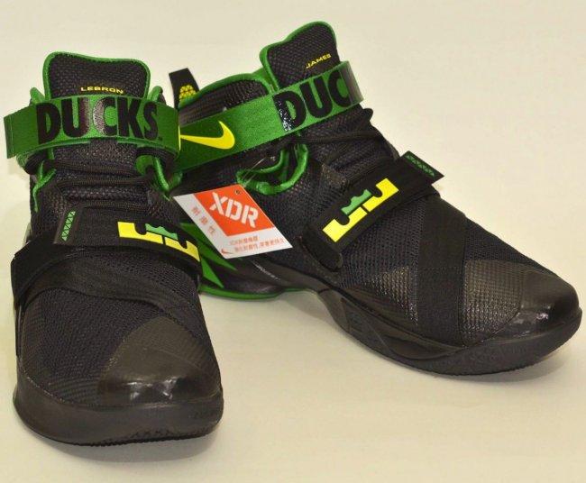 "Soldier 9,Oregon Ducks,749491- 749491-073 Nike Zoom LeBron Soldier 9 ""Oregon Ducks"" 即将市售"