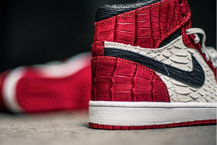 "Air Jordan 1,AJ1  奢华至极!Air Jordan 1 ""Chicago"" 定制版本展示"