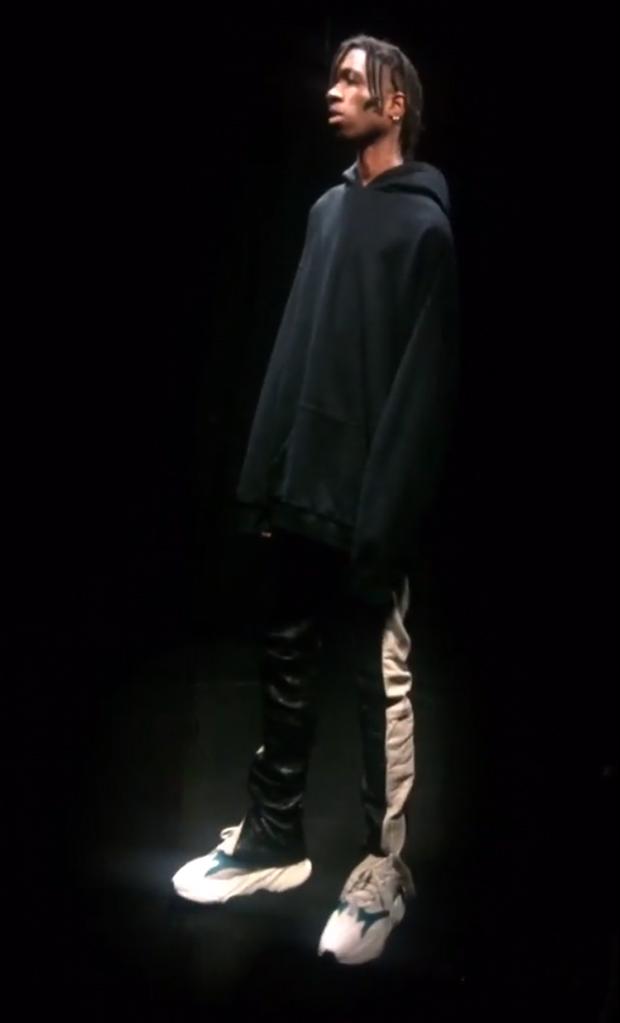 adidas,Yeezy Runner  Season 5 发布!看来侃爷又要发新鞋了?你买账吗?