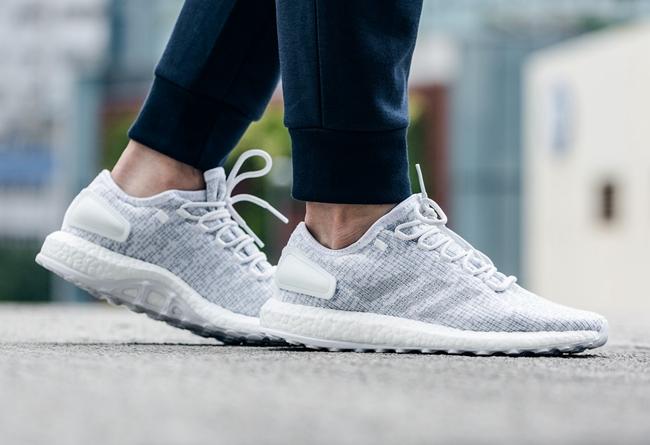 adidas,PureBoost  adidas 最新发布的这双鞋,将 UB 和 Yeezy 合二为一