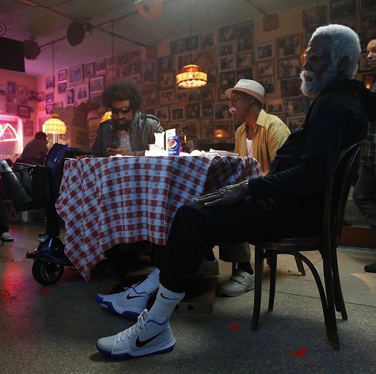 欧文全新力作!Uncle Drew 上脚 Nike Kyrie 3! 球鞋资讯 FLIGHTCLUB中文站