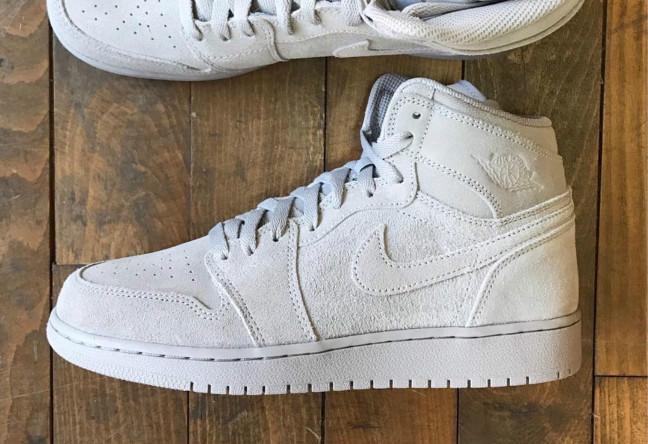 """全新麂皮材质!Air Jordan 1 High """"Grey Suede"""" 下月发售球鞋资讯 ... 7df0a5a2e94a"""