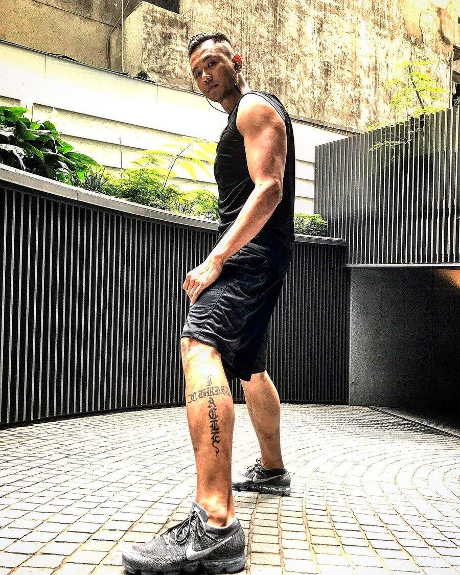 Nike, Air VaporMax,849558-002  又秀肌肉又晒鞋!黑人上脚全新 Air VaporMax!