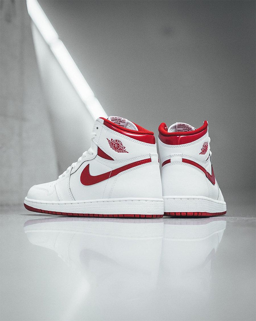 球鞋推荐,adidas,Nike  三千入手白椰子?上半年的热门款,哪些现在抄底还来得及!