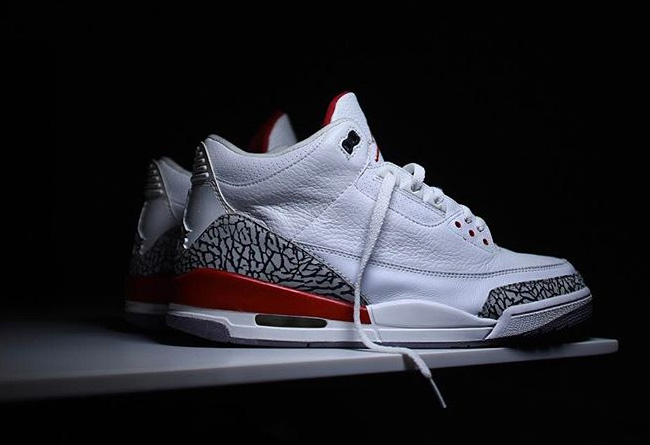 "AJ3,Air Jordan 3,136064-116  好事多磨!Air Jordan 3 ""Katrina"" 或推迟至明年夏季发售"