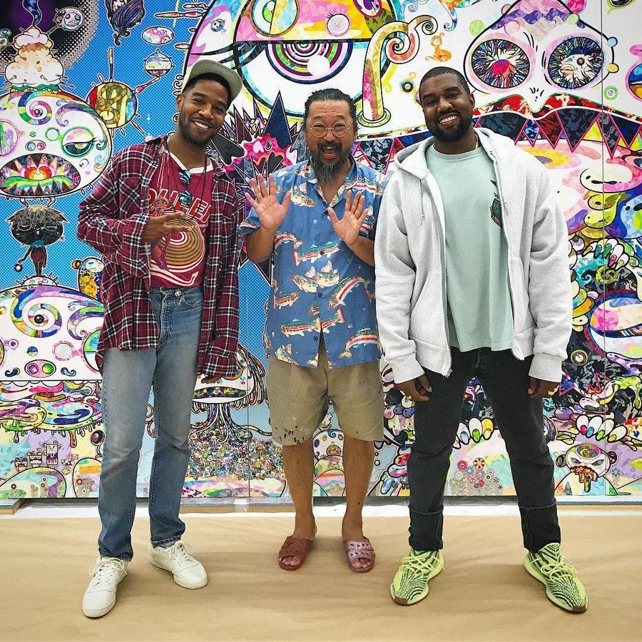 Kanye West,Yeezy 350,Yeezy  侃爷跑去见了村上隆,依然没脱下这双 Yeezy 新配色!