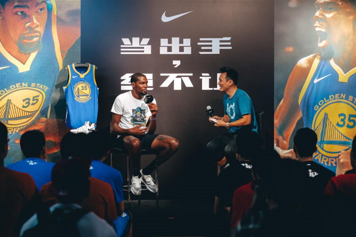 Nike,KD10  除了出战中国赛,杜兰特还带来了中国独占 KD10 球鞋!