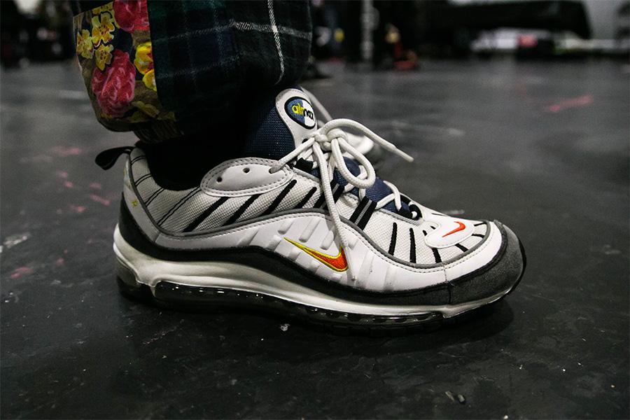 球鞋上脚  重磅新鞋齐亮相,看看 Sneaker Con 伦敦站的上脚精选