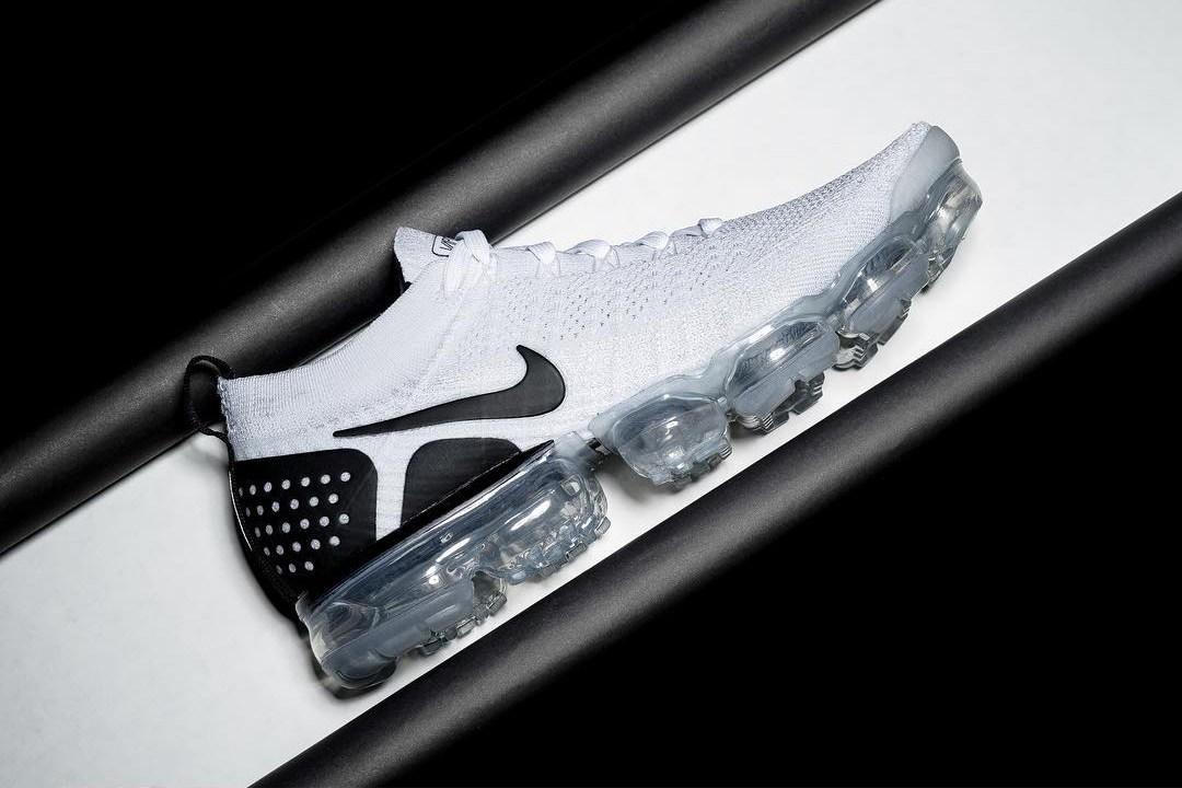 Nike,Air VaporMax  造型更加前卫!Air VaporMax 2.0 阴阳配色实物欣赏!