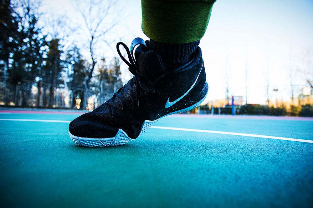 Nike,Kyrie 4  关注度极高的 Kyrie 4 值不值得买一双?除了看颜值,你还得看这篇!