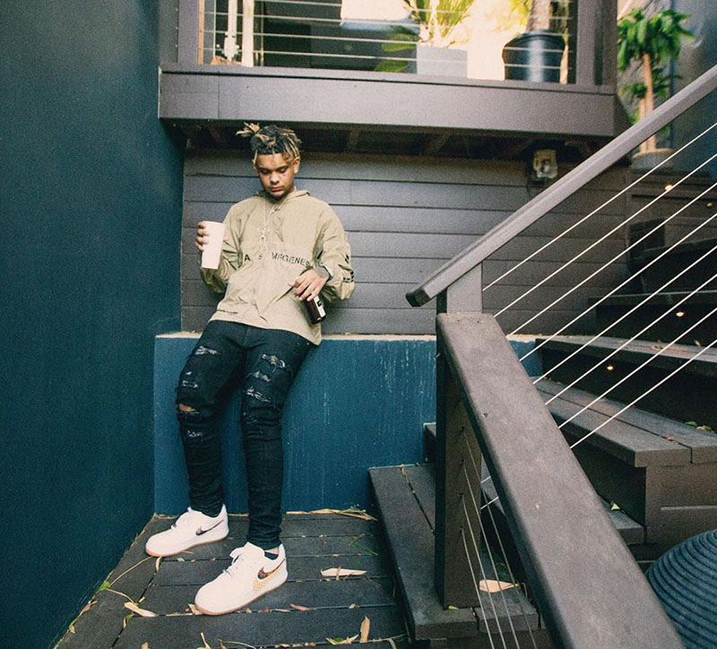明星上脚,球鞋上脚  Kanye 上脚 Yeezy 全新配色!一周明星上脚精选 12.25