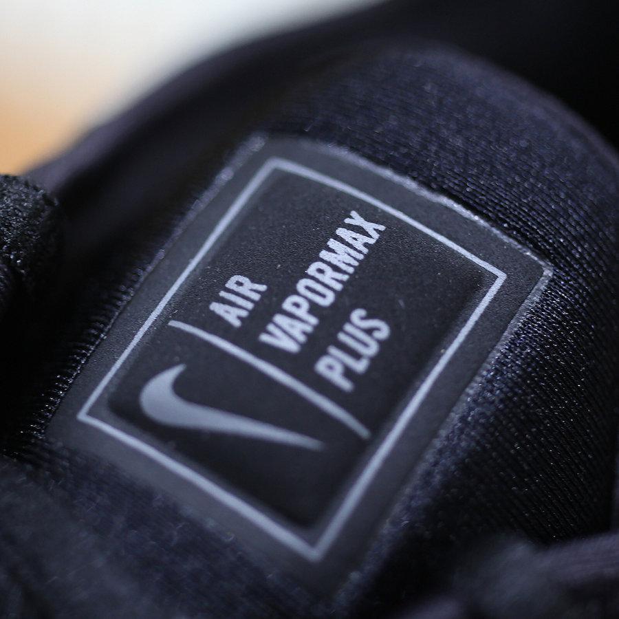 Nike,Air VaporMax Plus  经典与现代的碰撞!纯黑 Air VaporMax Plus 实物图释出!