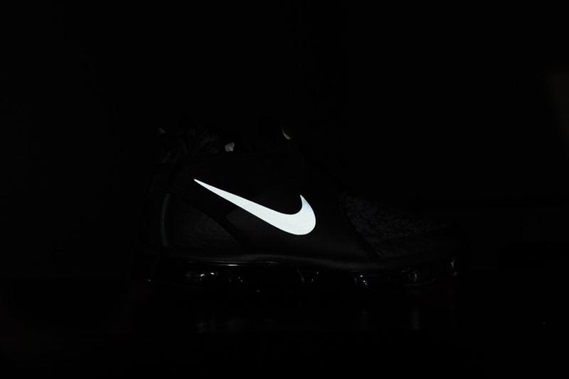 Nike,暗黑机能风!全新鞋型 VaporMax Chukk  暗黑机能风!全新鞋型 VaporMax Chukka 本周官网上架