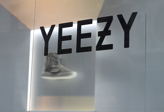YEEZY,BAPE,Nike,Fear of god,NE  侃爷将与中国企业争夺 YEEZY 商标所有权?Nike 秋冬要搞大事!