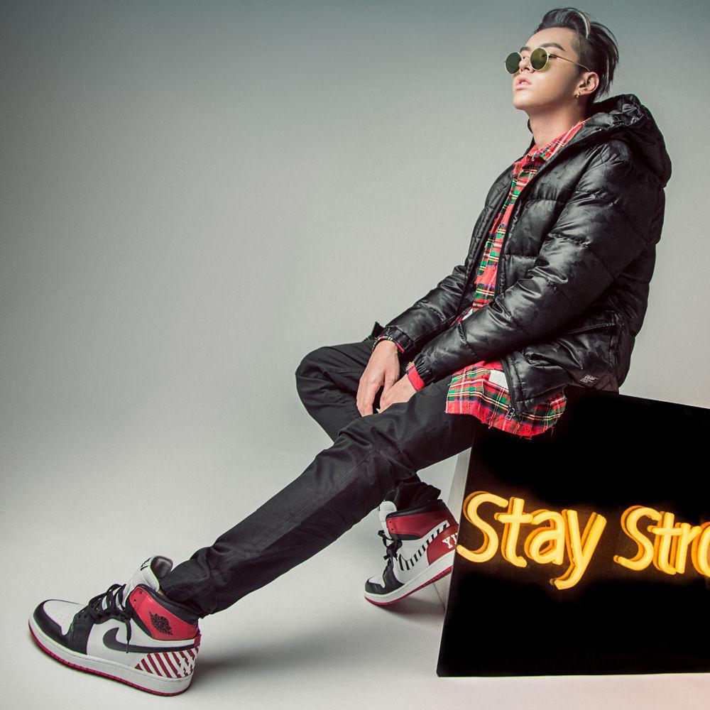 Nike,陈冠希,adidas,Air Jordan  这些明星都是顶级 Sneakerhead!除了冠希你还能想到谁?
