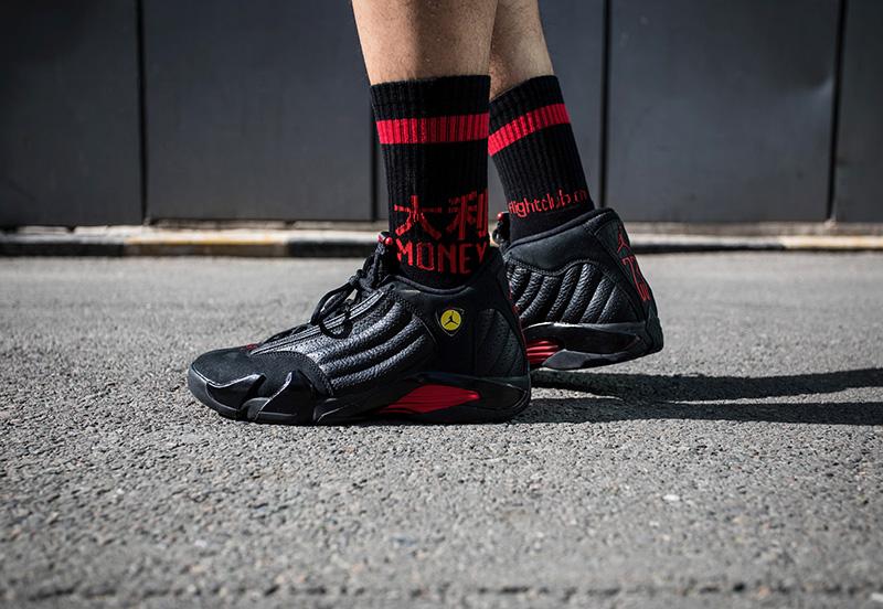 487471-003,AJ14,Air Jordan 14, 487471-003 本月重磅鞋款虽多,但这个黑红配色的「MJ 公牛套装」我一定会买!