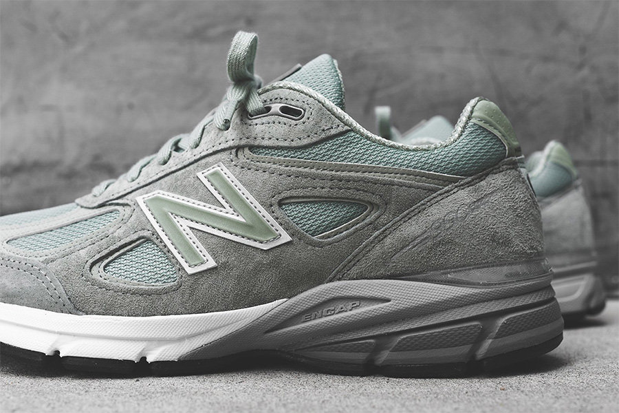 New Balance 990v4,New Balance  也是老爹鞋风格!这双 New Balance 990v4 特别的 OG!