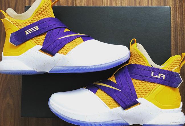 "Nike,Soldier 12,LeBron  湖人配色终于出现!细节超多的 Soldier 12 ""Lakers"" 实物首次曝光!"