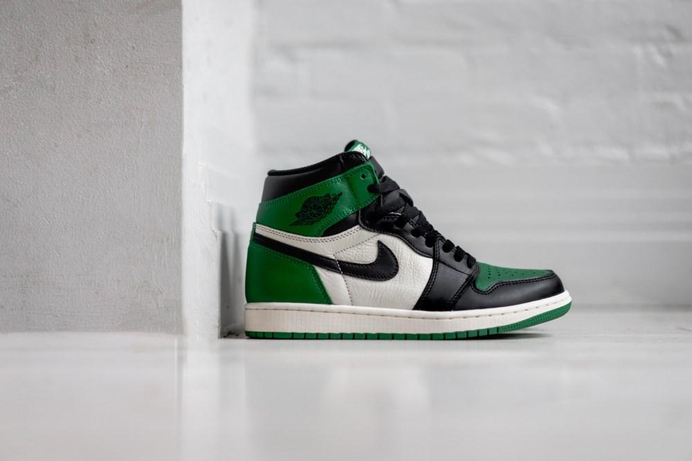 """AJ1,Air Jordan 1,555088-302  黑绿脚趾!Air Jordan 1 """"Pine Green"""" 将于下周发售!"""
