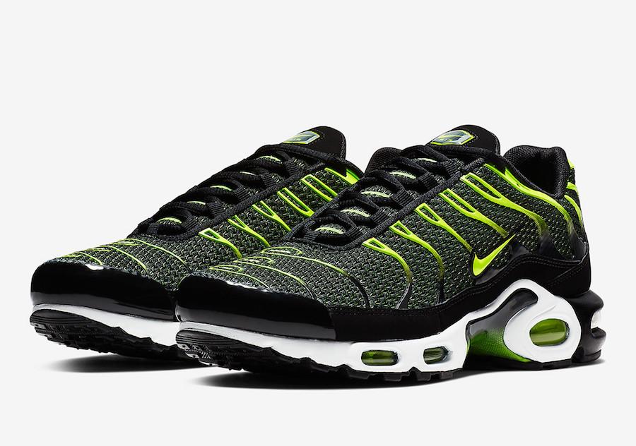 Nike,Air Max Plus,852630-036  复古风潮人们的心头好!全新 Air Max Plus 现已发售