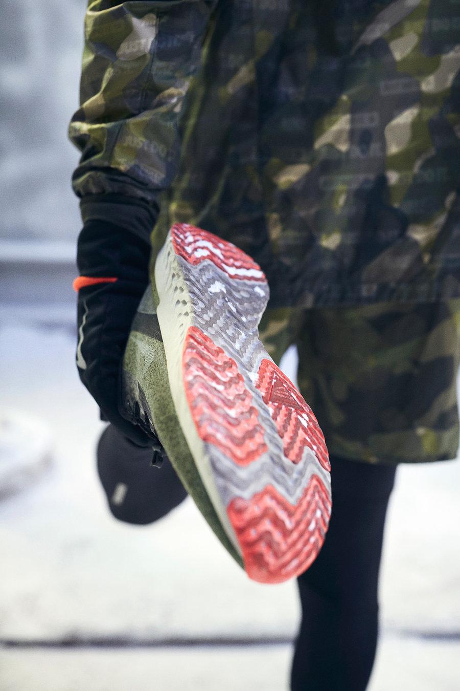 Nike,Running  防水又御寒!Nike 推出冬季跑步鞋款与服饰!