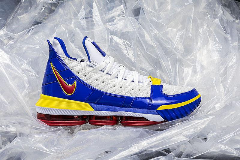 "Nike,LeBron 16,Watch,Super Bro  从未市售的超人主题!LeBron 16 ""Super Bron"" 今天下午发售!"