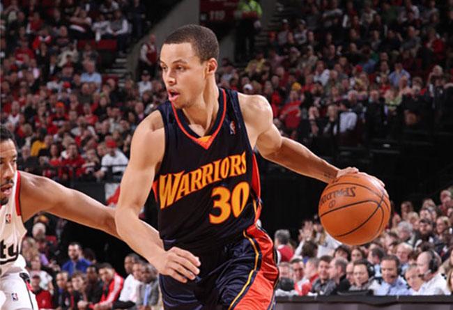 Under Armour,Curry 6,UA,Underr  以库里菜鸟赛季球衣为灵感!全新配色 UA Curry 6 即将发售