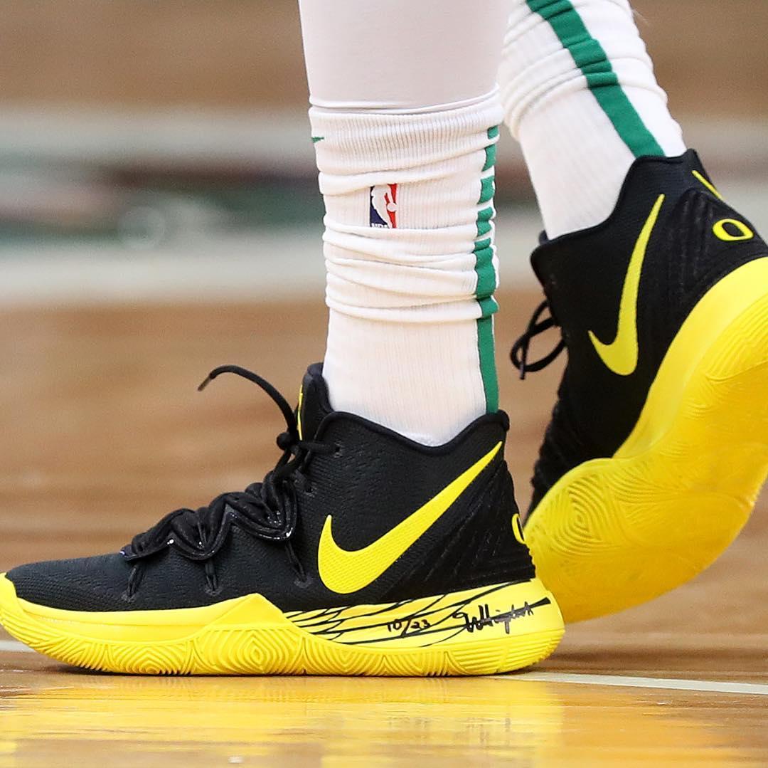 Air Jordan 1,  詹姆斯和欧文穿起了情侣鞋!一周 NBA 球鞋上脚精选!03.15