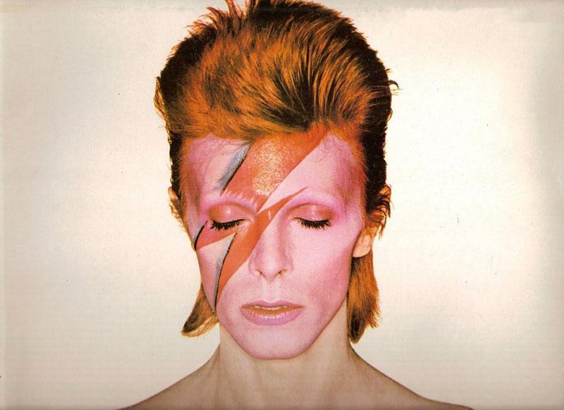 Slip-On,SK8-Hi,Era,Old School,  向 David Bowie 致敬!四双风格各异的 Vans 即将发售