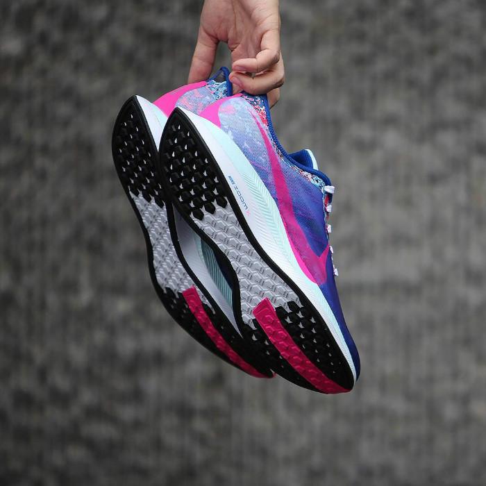 Nike,Zoom Pegasus 35 Turbo,Peg  钢铁直男都无法抗拒!顶级缓震跑鞋迎来亮眼新品登场