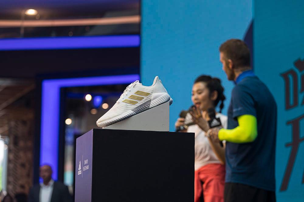 贝克汉姆,侃爷,与,adidas,的,联手,可以说,将,  adidas 联名贝克汉姆!今夏「最清爽」的跑鞋来了!