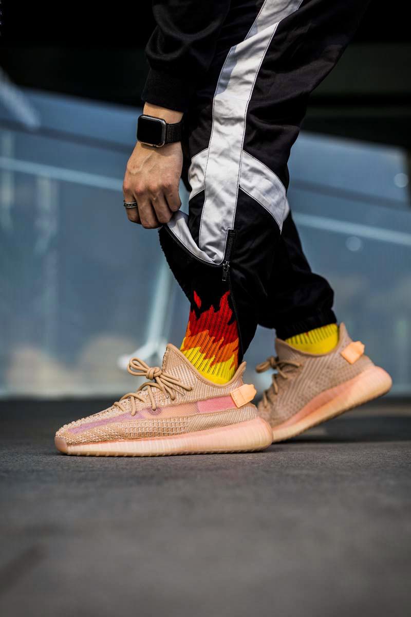 Yeezy,Kanye West  同样靠卖鞋致富,侃爷今年的「卖鞋收入」要超过乔丹了!